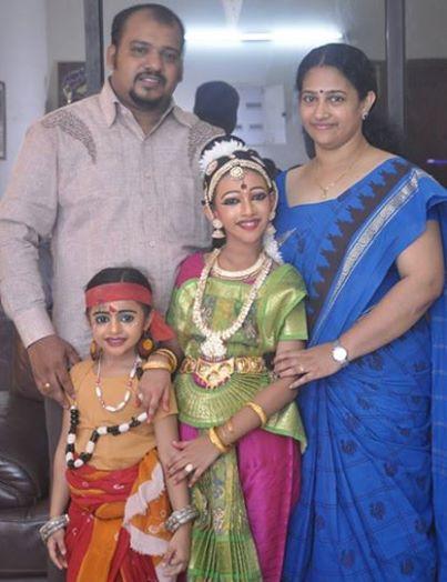 Akshara kishor family