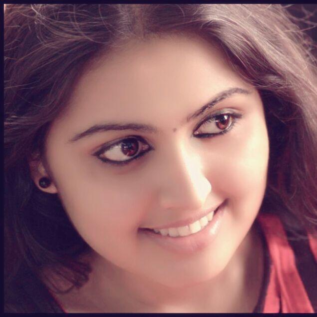 Meera Muralidharan Ponnambili Actress Biography Images And