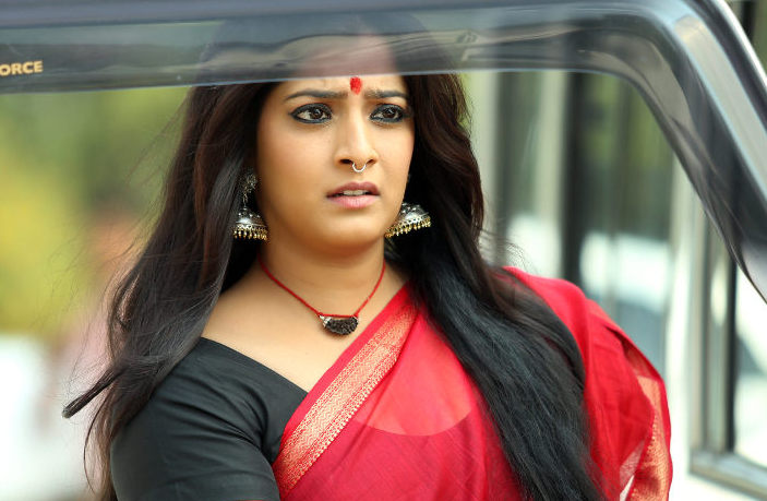 varalaxmi sarathkumar height
