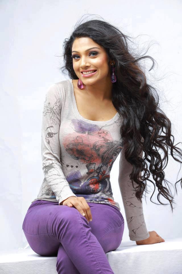 image Serial actress indian malayali