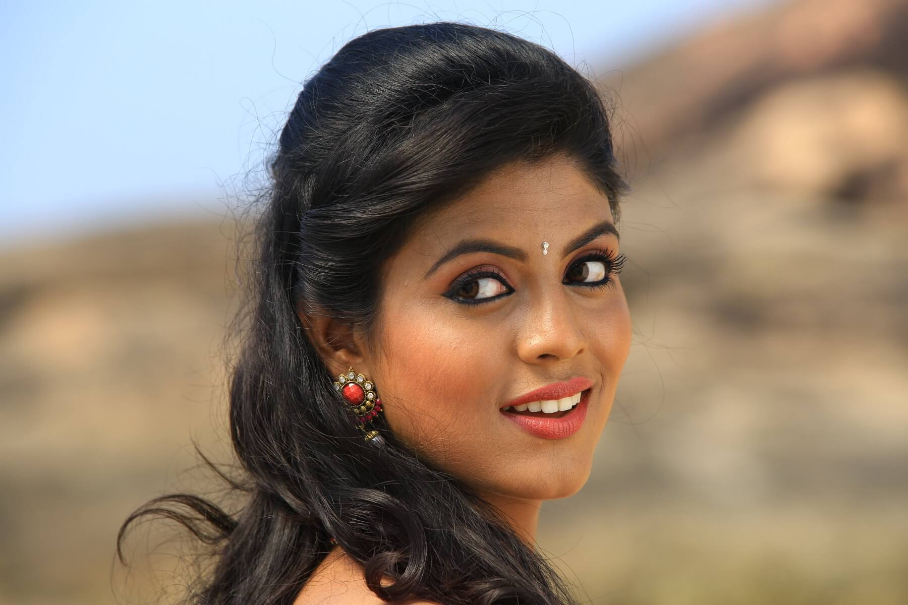 Iniya  South Indian Actress Profile, Latest Photos And Details  Kerala Channel